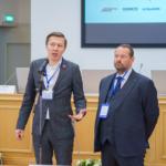 О. Киселев, Девиз (справа))