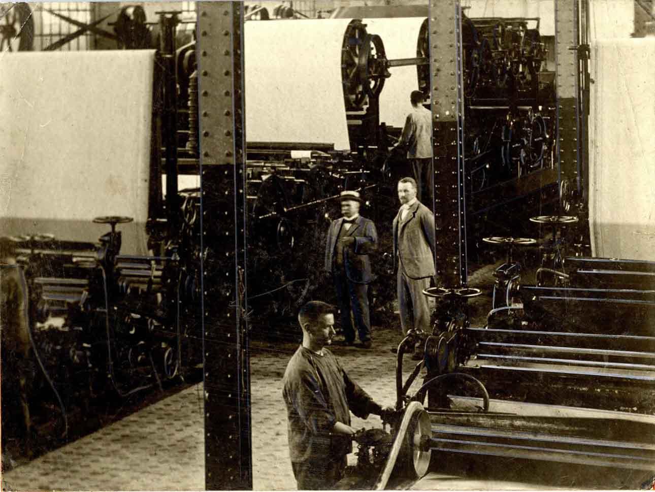 На бумагоделательной фабрике Zanders, около 1900 года